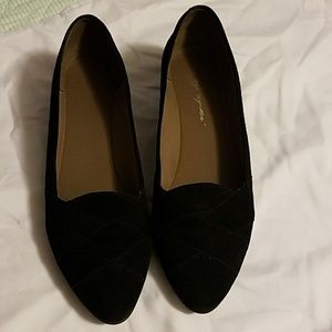 Black Easy Spirit dress shoe